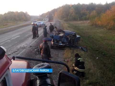 В Благовещенском районе на 41-м километре дороги Уфа-Янаул столкнулись Лада Приора и ВАЗ-2107