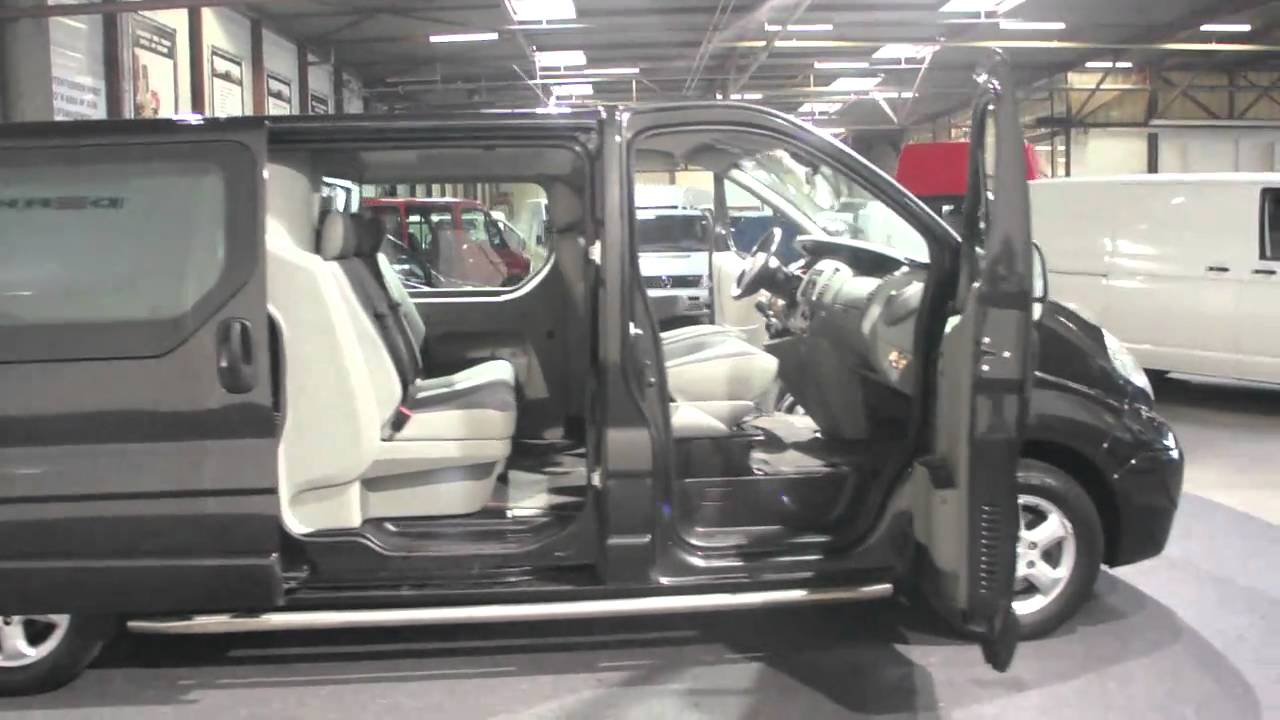 Opel vivaro 2 5 cdti lang dc derks bedrijfswagens youtube for Lederen interieur auto