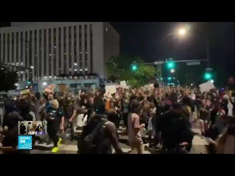 رغم حظر التجول.. آلاف الأمريكيين نزلوا إلى الشوارع احتجاجا على مقتل فلويد  - 19:01-2020 / 6 / 2