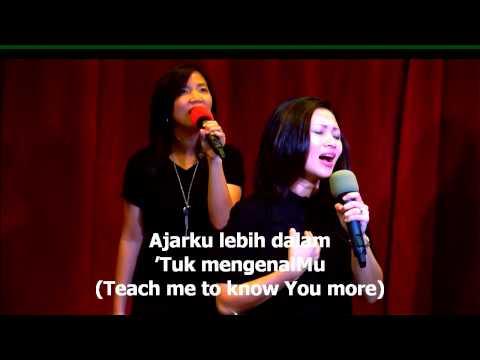 Bapa kurindu (Bertemu muka dengan muka) worship led by Mira Christanday