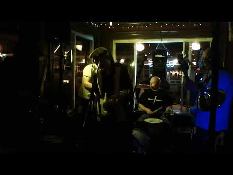 Memphis Lightning with guests Jeff, Scott Lambert and Mike King olearys blues jam 5.2.18
