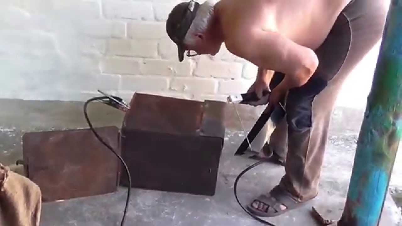 Как сделать коптилку горячего копчения видео фото 153