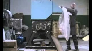 Видео дробилки, измельчителя пленки ПВХ(Видео дробилки-измельчителя Пленки ПВХ === ПРОИЗВОДИТЕЛЬНОСТЬ ДРОБИЛКИ ИПМ-1/11,0 при измельчении Материал..., 2015-02-12T13:29:44.000Z)