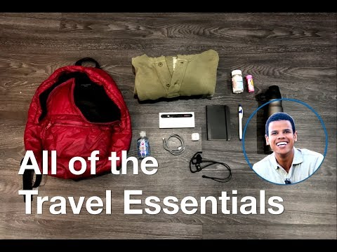 9 TRAVEL ESSENTIALS FOR A DAY OF EXPLORING