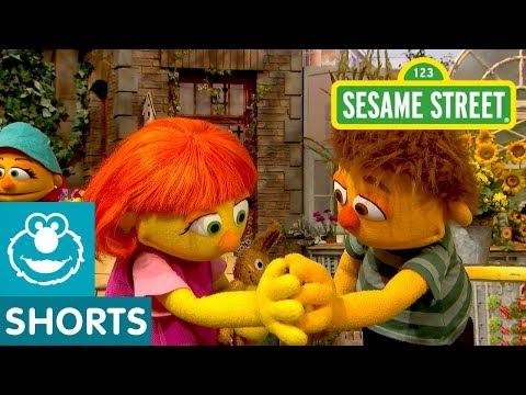 "Sesame Street Teaches Kids ""How To Hug"" Friends With Autism"