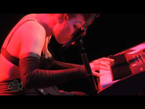 Dresden Dolls - Mandy Goes To Med School (Live in Sydney) | Moshcam