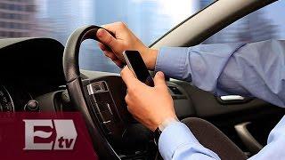 Utilizar el móvil al conducir es la mayor causa de accidentes viales/ Héctor Figueroa