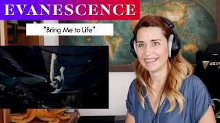 "Download Evanescence ""Bring Me to Life"" REACTION & ANALYSIS by Vocal Coach/Opera Singer"