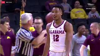 Alabama vs Minnesota( Bama entire bench gets Ejected! Hey only have 3players)