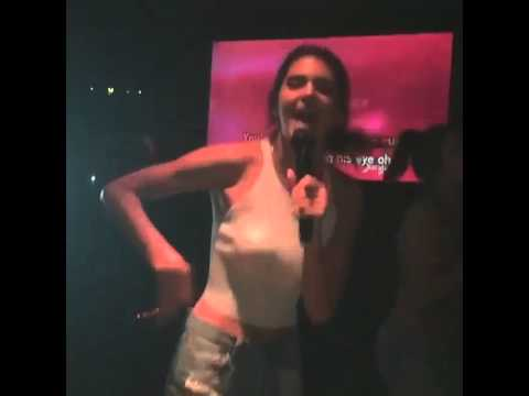 Kendall Jenner and Hailey Baldwin Karaoke 🎤