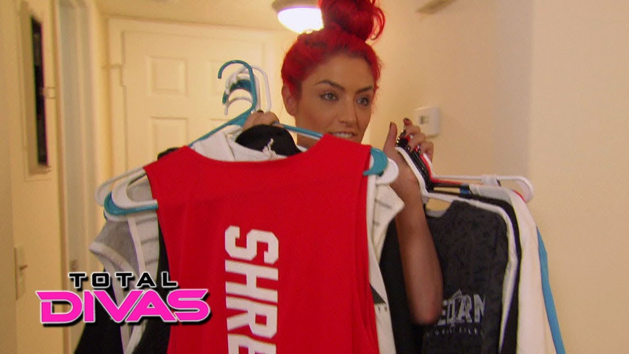 Eva Marie makes Jonathan temporarily move out: Total Divas, March 16, 2014