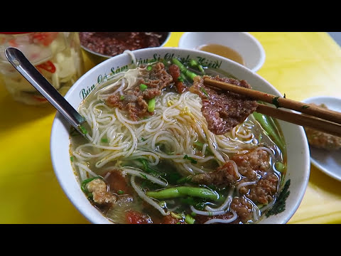 Top 9 BEST STREET FOOD dishes in Hanoi Vietnam street food tour