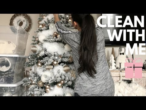 CLEAN WITH ME - TAKING DOWN ALL MY HOLIDAY DECOR & HOW I STORE IT