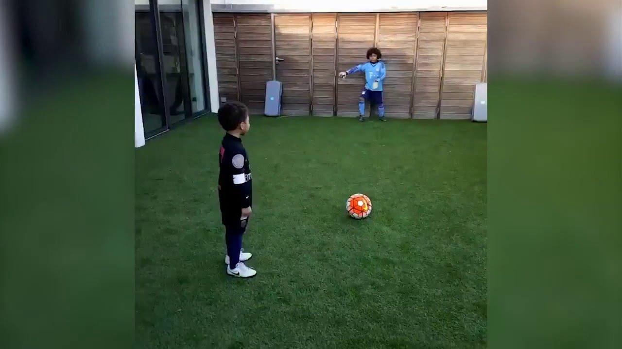 Chez les Silva, la relève est assurée : Thiago Silva entraîne ses fils