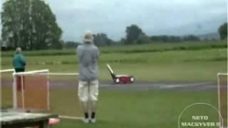 Voando O Cortador De Grama