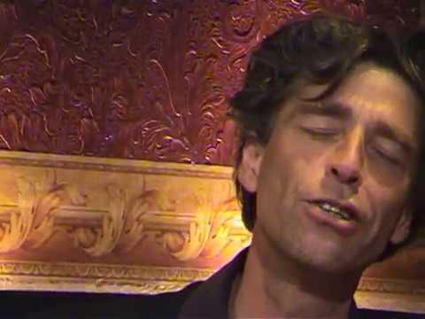 Maarten van Roozendaal & Felix Strategier zingen Ouwe Meuk I
