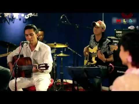 Erkin Abdulla : man nah maydanda : Live Song : Uyghur