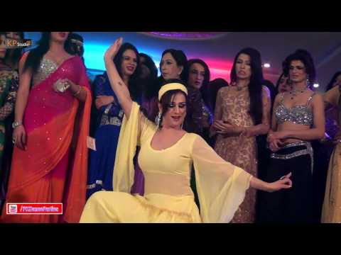 SHAZIA CHAUDHARY PUNJABI MUJRA PERFORMANCE @ PRIVATE PARTY 2017