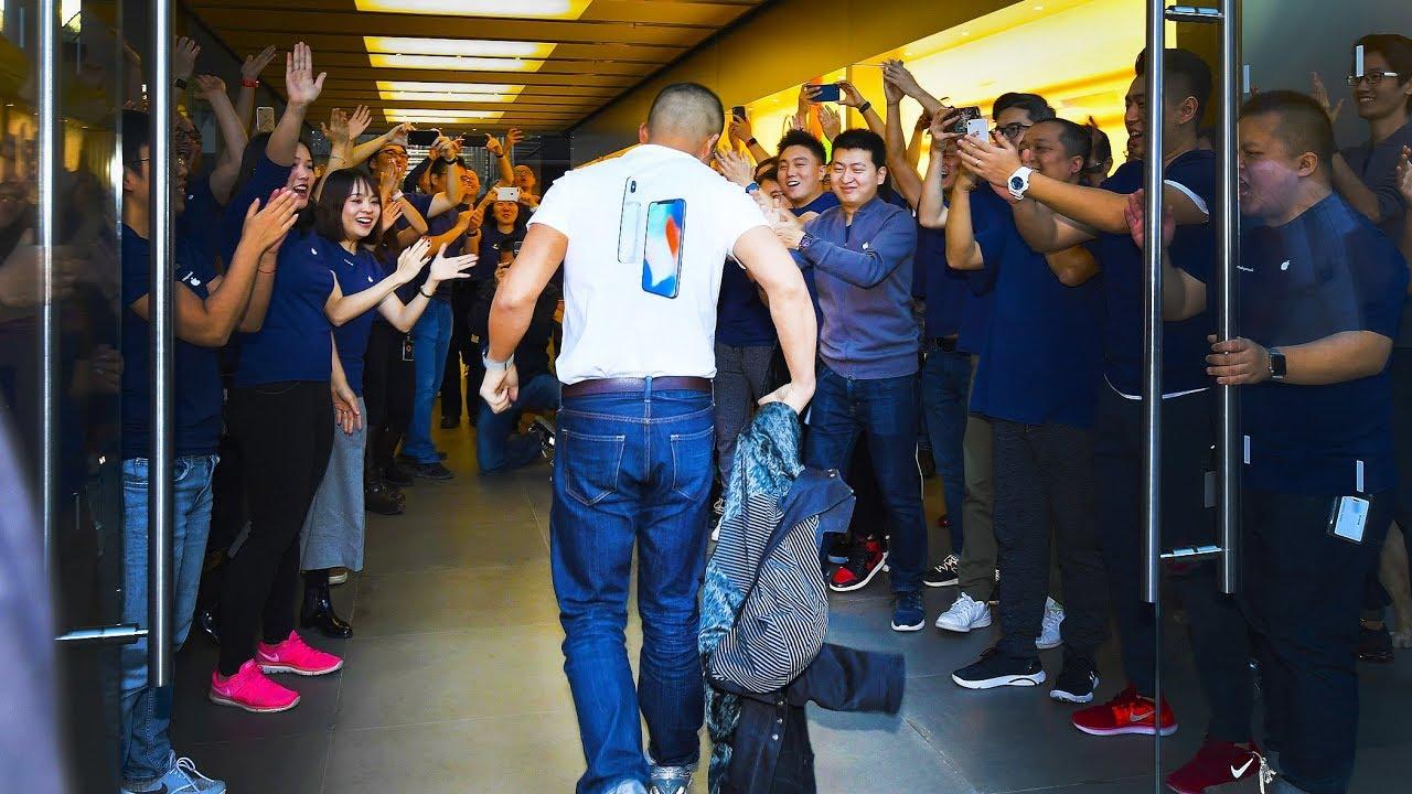 Beijingers Wait In Line For IPhone X Release