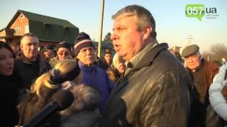 Смертельно ДТП. Перекрытие дороги поселок Высокий.(Подробности на сайте: http://www.057.ua/news/494478 Седьмого марта в ДТП на пешеходном переходе погиб ребенок. Пятикласс..., 2014-03-14T08:56:58.000Z)
