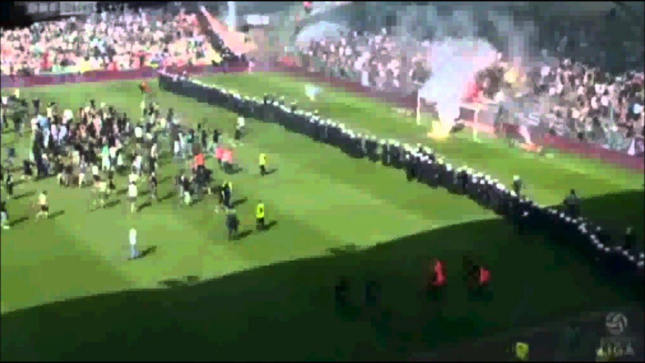 Rapid Fans Rasten Aus Platzsturm Spielabbruch Rapid Wien Vs Austria Wien