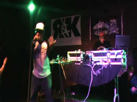 Live @ Warren G''s Show [ghetto star]
