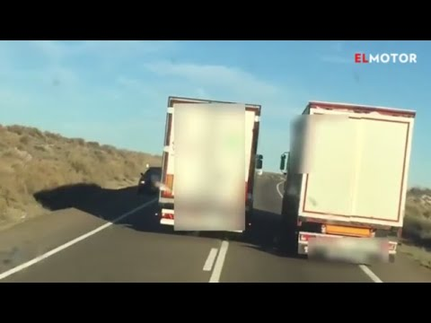 Los temerarios adelantamientos entre camiones que han sido denunciados a través de las redes