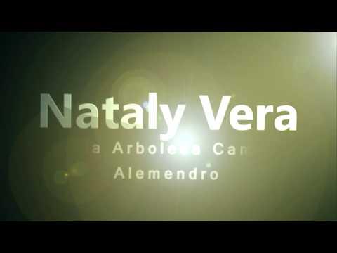 Nataly Vera visita conjunto Almendro