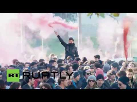 Italy: Thousands protest job-market reforms in Rome