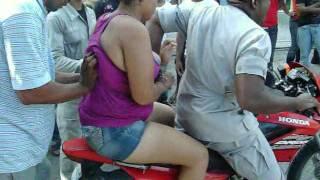 Sikaria Por Poco Se La  Va Al Bollo Con La Policia !!Pa No Cae Presa!!  @Bani