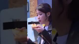 [아이유/IU] 입짧은 아이유의 피자 한입