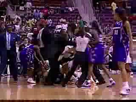 LA Sparks Vs Detroit Shocks Brawl 7-22-08