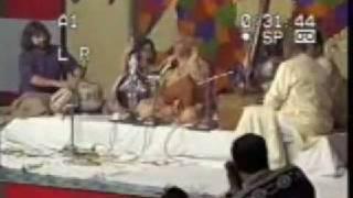 Pt. Vijay Ghate accompanies Pt. Jasraj