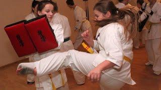 Ostro��cki Klub Karate Kyokushin na obozie w Z�bie (1)