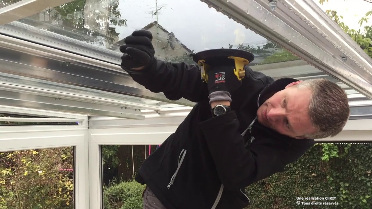 Comment Installer une jonction de vitrage sur une toiture de véranda ...