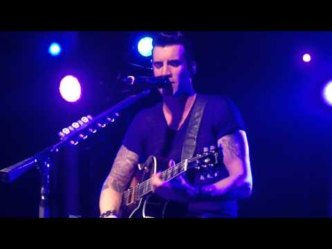 Theory of a Deadman - Got Me Wrong (Alice in Chains cover) (Charlotte, NC 11/8/12)