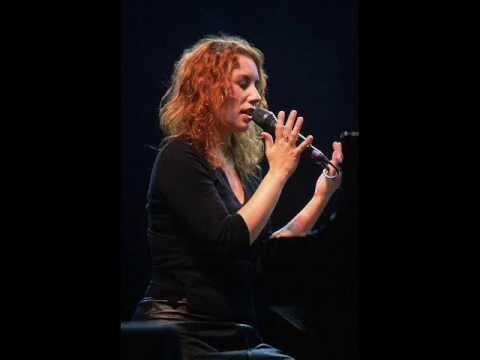 "Tori Amos ""Professional Widow"" Live"