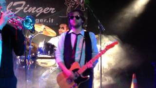 "The SoulFinger con ""She Caught The Katy"" Live @ Birreria Trenti a Pove (VI) 03.01.14"