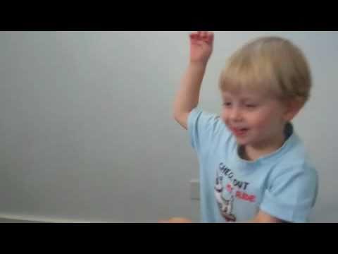 Little Kid Dancing to I'm a Banana (ORIGINAL)