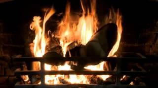 Kaminfeuer mit Knisterndem Feuer Klänge (HD)