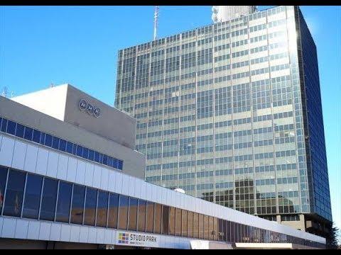 NHKは13日、新型コロナウイルスの感染拡大の影響で、以 下のBSプレミアムの番組の放送延期を発表した。. BS時代劇『雲霧仁左衛門5』(当初予定...