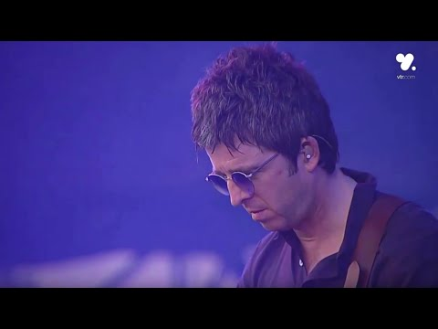 Noel Gallagher's High Flying Birds - Champagne Supernova (Live At Lollapalooza Chile 2016)