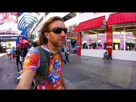 What to See in Las Vegas: The Fremont Street Freak Scene