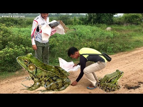 Amazing Fishing  by hands-hunter Videos-How to catch Fish-Khmer Fishing Videos at Prey Veng Province