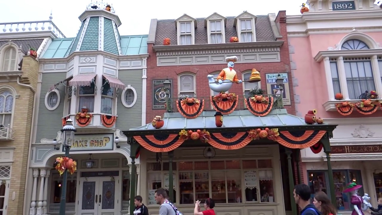 halloween 2013 disneyland paris decorations and atmosphere youtube. Black Bedroom Furniture Sets. Home Design Ideas