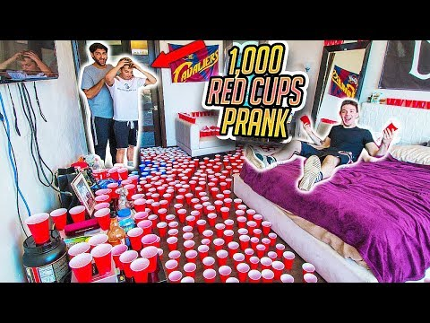 FILLING ROOM WITH 1,000 RED SOLO CUP