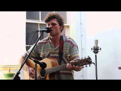 Vance Joy - Play With Fire (Live)
