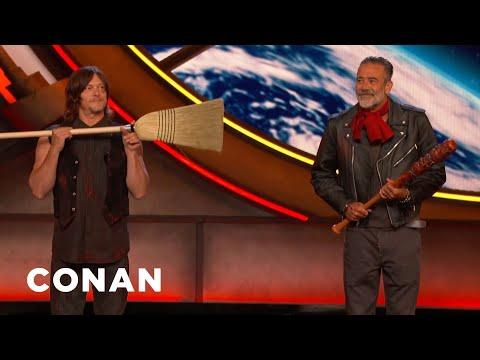 Conan O'Brien found stunningly good 'Walking Dead' cosplayers at Comic-Con