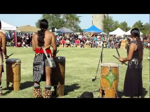 Mother Earth Pow wow Aztecs May 5th - 6th 2012, Victorville, CA (6)