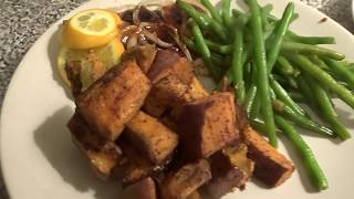 HI friends, Today Weight Watchers Wednesday is a delicious salmon dish. It is savory, sweet, and has a little kick.